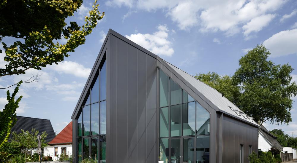 Kingspan Insulated Panel Systems QuadCore Wallpanel WOHNHAUS MARTITZ DE Image
