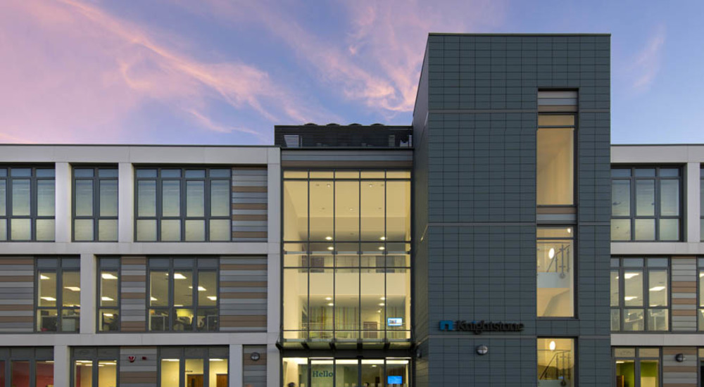 Kingspan Architectural Facades Systems Interlocking Plank Project - KNIGHTSTONE CAMPUS UK Image
