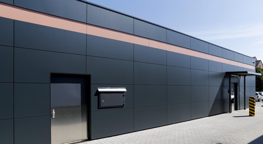 Rainscreen facade, Suspended ventilated facade, Benchmark Kingspan, Benchmark Karrier (HPL)
