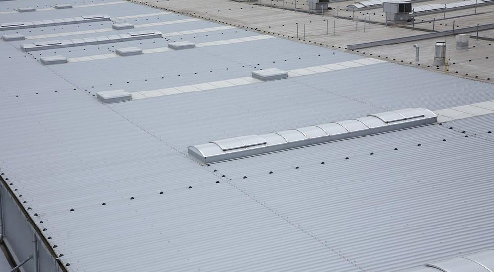 Peguform, KS1150 FR, KS1000 FF, střešní panely, stěnové panely, zateplení fasády, zateplení střechy, Kingspan izolační panely