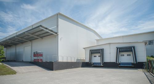 A Reál-M szendvicspanelból épült raktárcsarnoka