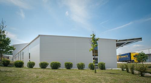 Fehér logisztikai Központ