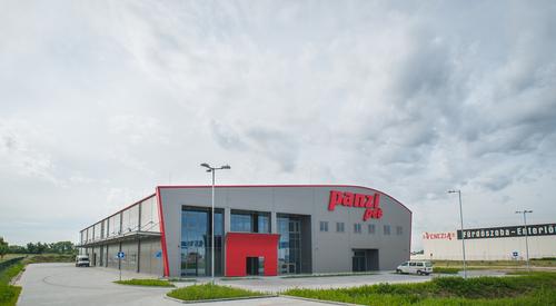 Panzi Pet rakárépülete