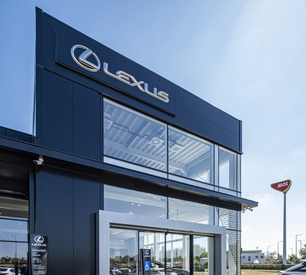 2019_KS_Insulated_panels_Lexus_dealership_HU_1