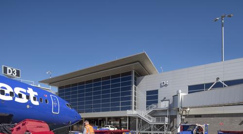 Nashville_International_Airport_Concourse_D_Nashville_TN_13_DW4000_US