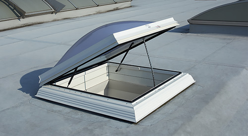 Kingspan_roof exit hatch (EDA) type G-chain drive-skylight dome plus-system frame_Image_DE