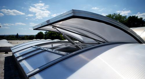 Kingspan_rooflight classic plus-flap-NSHE pneum_Image_DE_04