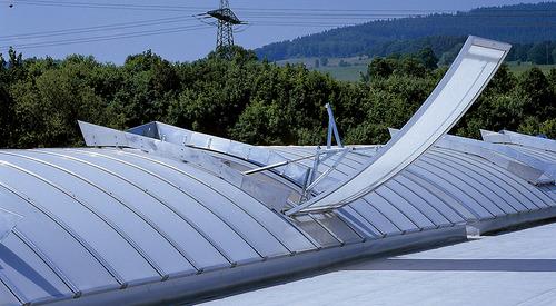 Kingspan_rooflight classic_flap_NSHE pneum F6-D_Image_DE_01
