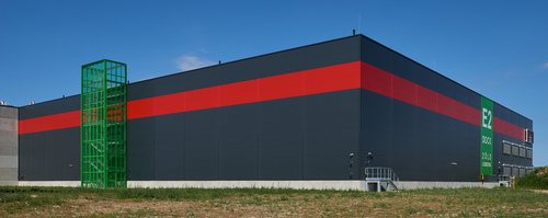 Budapesti Szabadkikötő raktárépülete oldalról