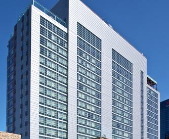 123_East_Cermak_Hotels_Chicago_IL_18_DW2000_US