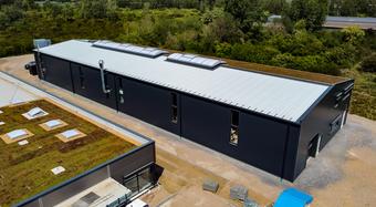 Sandwichpaneele Dach und Wand Gewerbehalle Neuss
