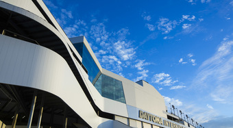 Daytona_International_Speedway_Daytona_Beach_FL_02_OPE_DW2000_MPP_US