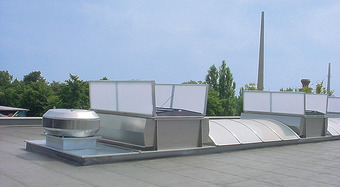 Kingspan_all-weather double flap-rooflight_smoke gas ventilator_Image_DE
