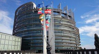 rsz_parliament-1564427_1920