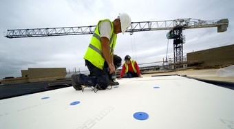 InstallationPhoto_EcoTherm_FlatRoof_01_BuildingInnovation_UK
