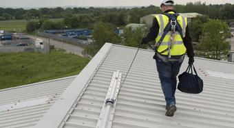 2012_Kingspan_Roof_Safety_Safetraxx_REDSCAR_BUSINESS_PARK_UK(29)