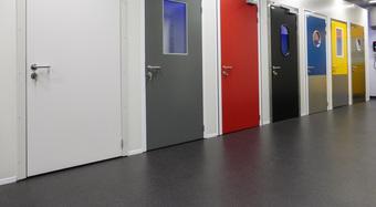 isomasters_isodoors_service_door_showroom_Beveren_Leie_België(1)